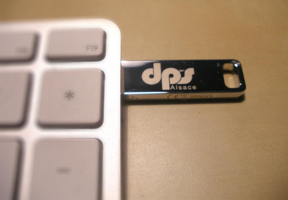 Goodies Clé USB pour la société DPS Alsace pour leur communication corporate
