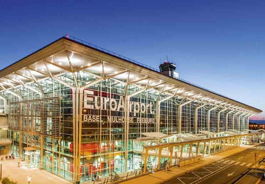 Prise de vue du bâtiment de l'EuroAirport Bâle Mulhouse